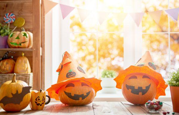 ハロウィンの由来とは?起源やお菓子・おばけの意味、子ども向けの簡単な説明方法