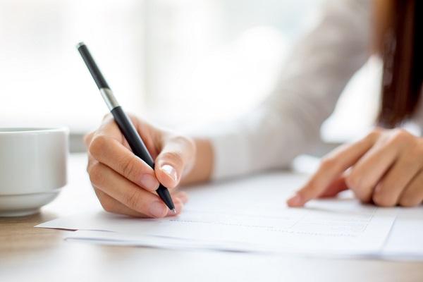 幼稚園教諭免許の更新における氏名変更手続き。旧姓の書換申請の方法