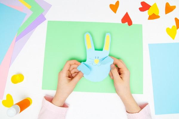 3歳児向けのお月見製作。紙コップや紙皿を使ったアイデア
