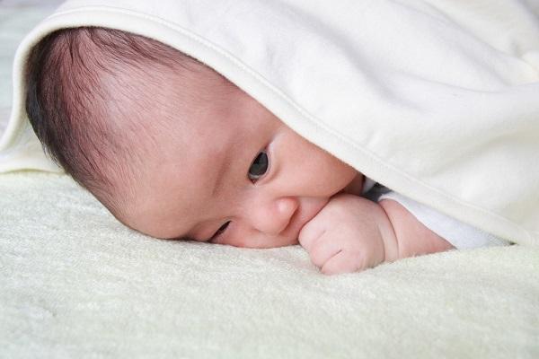 乳児院とはどんな施設?果たす役割や子どもの年齢、現状と今後の課題など