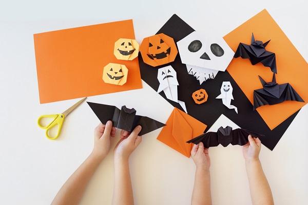 折り紙でハロウィン製作!かぼちゃやおばけ、リースなど壁面・立体のアイデア