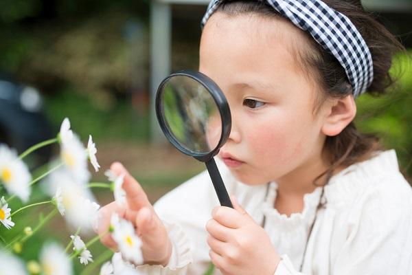 【5領域】環境とは。保育のねらいや遊びと援助の実践例