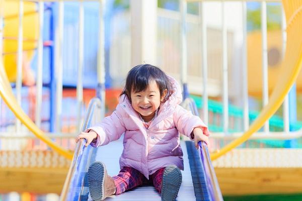 【5領域】健康とは。ねらいと内容、保育における遊びや援助の具体例