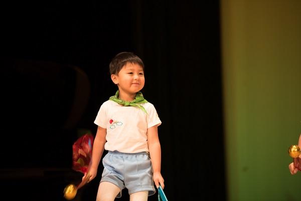 保育園の生活発表会で劇をしよう。年少から年長までの題材や選び方、練習方法