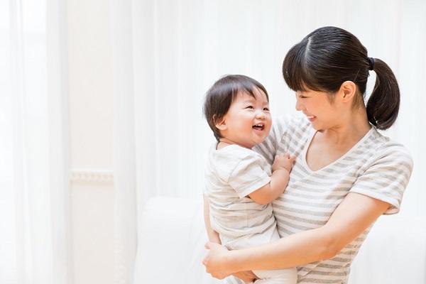 保育園で定める保育目標とは。0歳児から5歳児までの年齢別の文例
