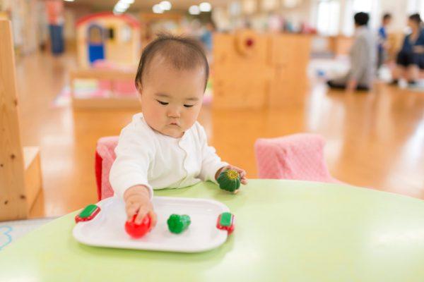 保育士が小規模保育園で働くメリットとデメリット。低年齢児中心の保育現場