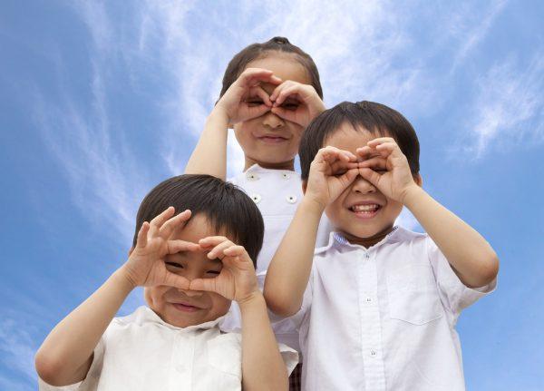 10月10日、目の愛護デーとは。由来や意味を子どもに伝えるポイント