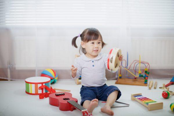 【0歳児~5歳児】リズム遊びの保育指導案を作成しよう!ねらいや活動内容