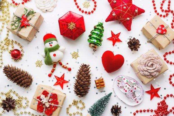 保育園でクリスマスの飾りを作ろう!サンタやトナカイなどの手作り製作
