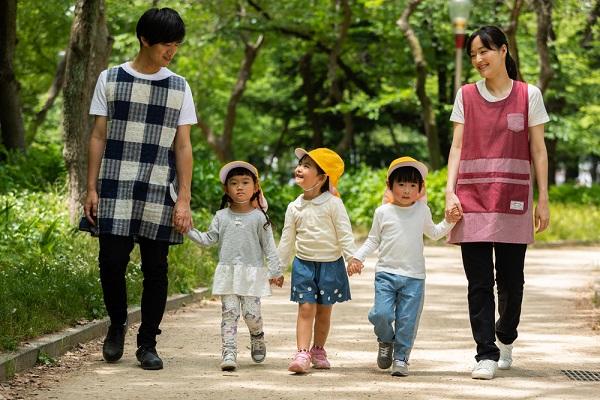 【認定こども園】幼児教育・保育を併せ持つ「こども園」とはどんな施設?
