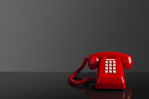 鳴らない電話