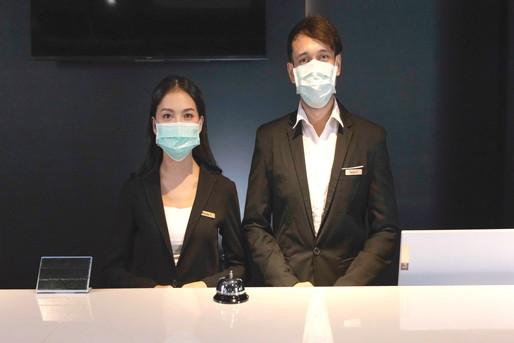 ホテルマンとマスク