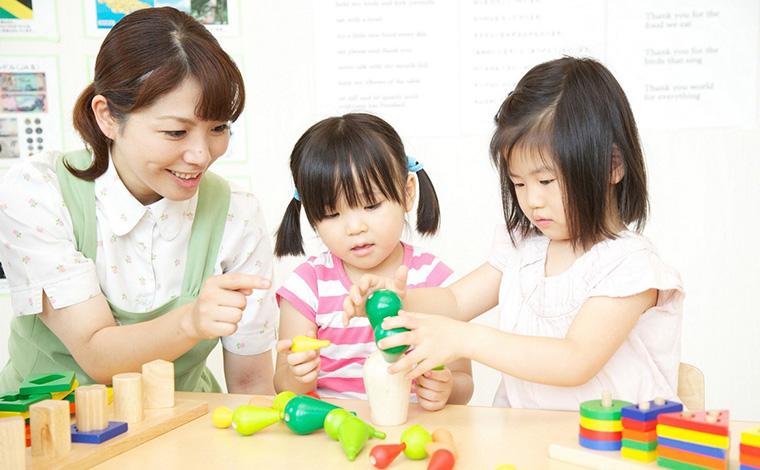 「人を育てる企業」として充実の研修制度を完備。最先端の乳児教育を学べます。