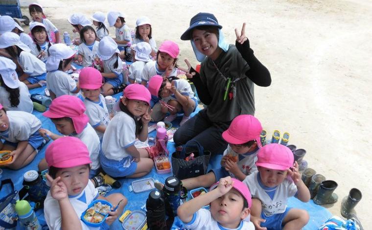 「あかるくつよくおおきくなあれ」笑顔いっぱいの幼稚園(認定こども園幼稚園型)です