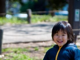 スイミングや体操など外部講師による専門教育を行う大津市の保育園です。
