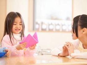 英語や日本語、中国語の三カ国語で保育を行う、認可外保育施設です。