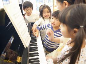子どもたちの自立心と健康を大切にする、神社内にある保育園です。