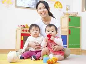 ネイティブ講師が英会話教室を行っている、1、2歳児対象の保育園です。