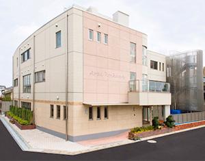 新井保育園完全週休2日制で、オンオフのメリハリをつけて働ける職場です。賞与4.3カ月分支給。