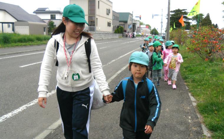 江別や北広島から車で15分。アクセスのしやすい立地にある幼稚園です