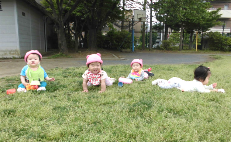 YMCAとつか乳児保育園家庭的な雰囲気の中、一人ひとりの成長と興味に合わせた保育を展開しています