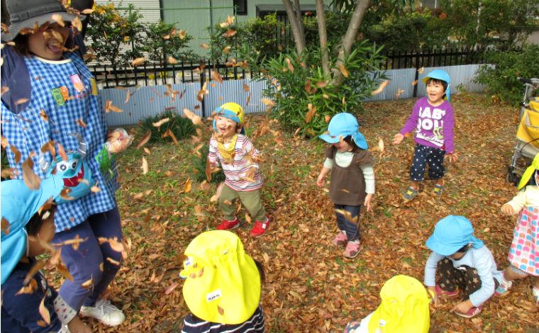 「あそびをやりきる」をテーマに、子どもも保育士もイキイキと過ごしています!