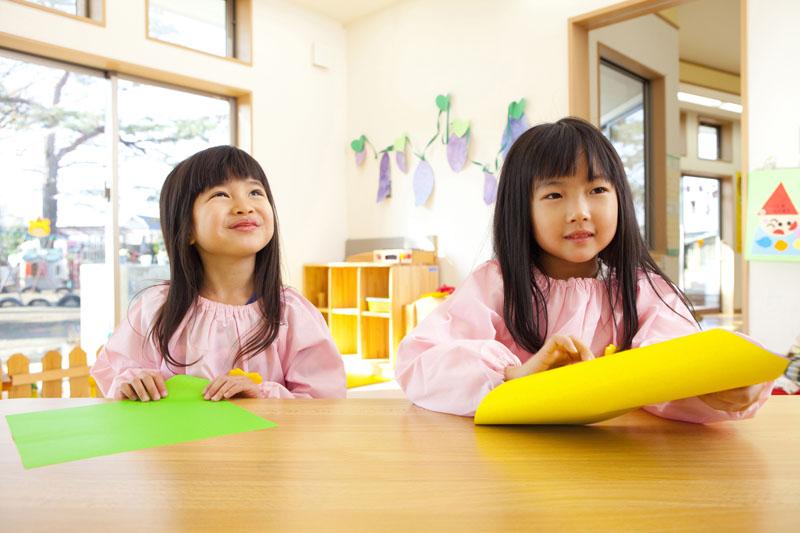 遊びを中心にしたさまざまな体験から、意欲ある子どもの育成が行われます。