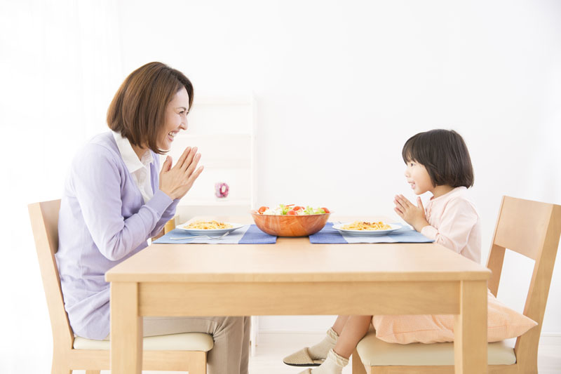 保育園を昼間の家と位置づけて、子ども達が安心して過ごせる環境です。