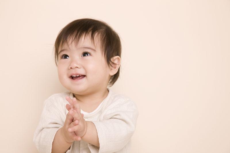 子どもたち一人ひとりの個性を尊重し伸張する保育を行なっています。