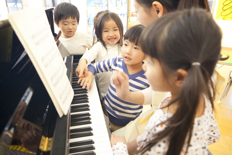 遊びで成長する子どもたちがじっくりと集中して遊べる環境を整えています。