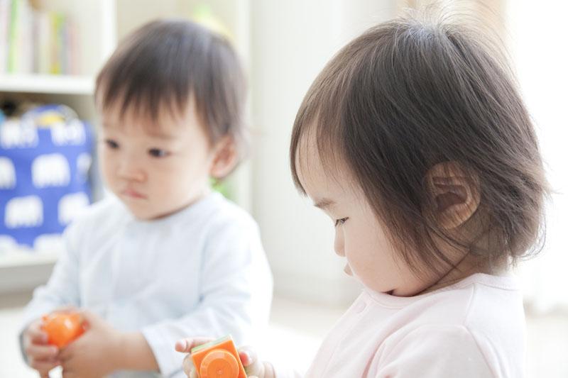 あいさつができ、思いやりもあり、自ら遊びを楽しめる子を育てます。