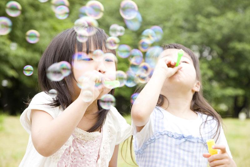 自然いっぱいの環境で健康で明るく、心情豊かな子どもたちを育みます。