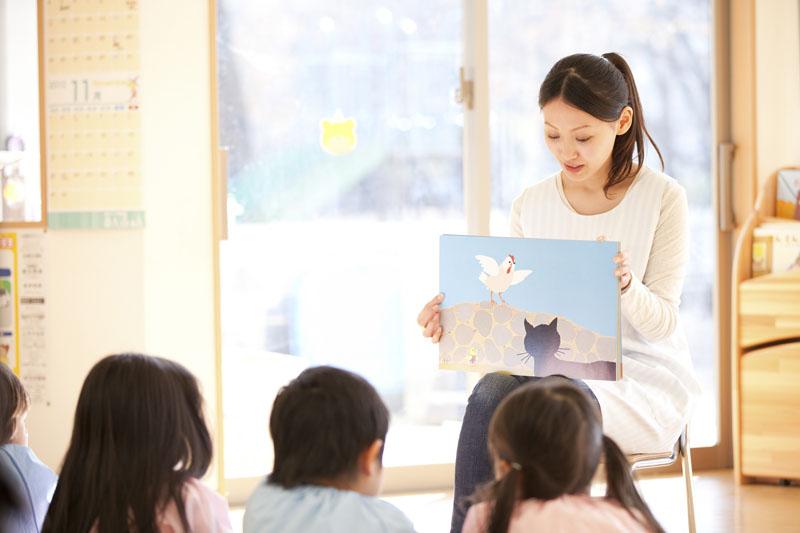子どもたちを優しく見守りながら成長に合わせた保育を行う保育園です。
