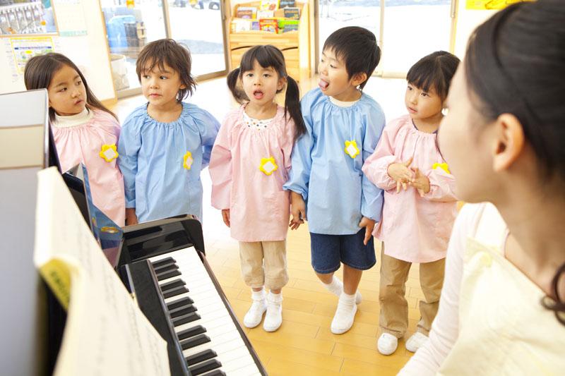 仏教教育を基本に、子どものペースに合わせたのびのび保育が実践中です。