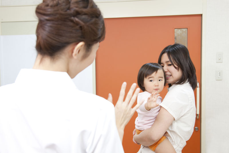 日々の保育生活の中で多くの人との関わり合いを積極的に行なっています。