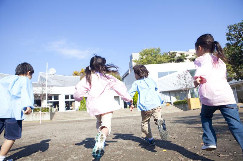 広い園庭で思いっきり遊べます。大規模な千葉市立の認可保育園です