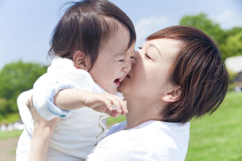 健康で、心豊かな、調和の取れた、たくましい子どもを育みます。