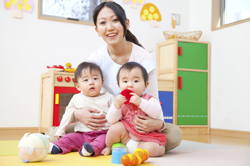 ニュータウンの中に立地し、乳幼児の利用定員を20名に設定している私立保育園です。
