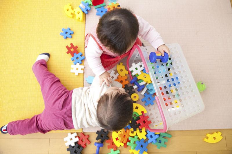 一時保育もある大規模保育園。たくさんの子ども同士がふれあいながら育つ