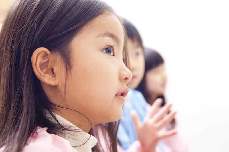 規律ある生活の中で清らかな心を持った子どもを育てている園です。