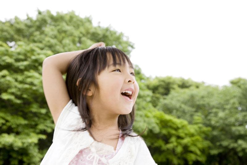 自然豊かな環境の園舎と園庭のもと、健康で心優しい子どもを育てる保育園