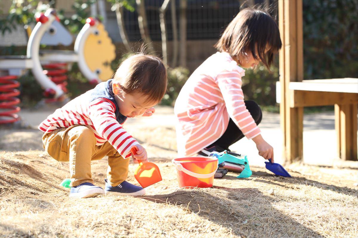 感性をはぐくむ砂遊び、粘土遊び
