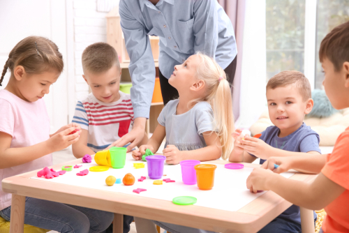 英語が活かせる幼稚園・保育園とは?求人や職場としての特徴