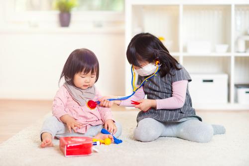 子どもの個性を育てるモンテッソーリ教育とは? モンテの園で働く保育士は大変?