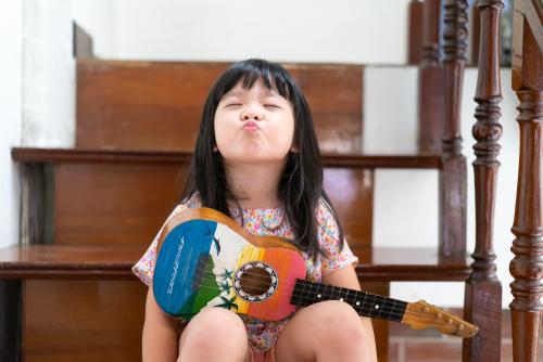 音楽遊びを保育に取り入れよう 日常保育で使える楽器の作り方など
