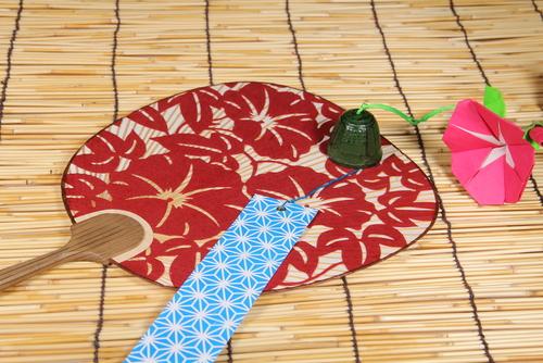 折り紙で保育室を夏に! 夏のお花の特徴と折り紙遊びの意味・ねらい