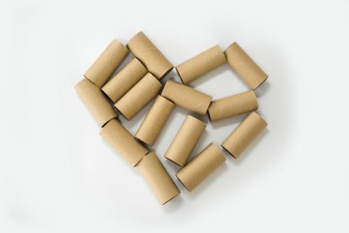 トイレットペーパーの芯を使った保育の遊びと工作のアイディア11選
