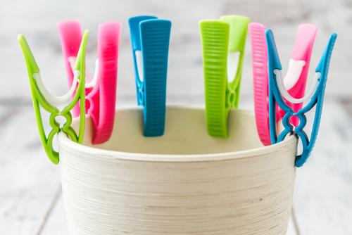 洗濯バサミを使った保育の遊び・工作のアイディア
