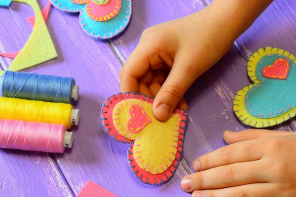 保育士のかわいい名札をフェルトで手作り!簡単な作り方や材料は?