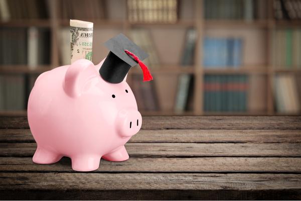保育士資格を専門学校で目指したい!勉強する内容や学費について
